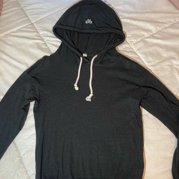 Aritzia lightweight hoodie